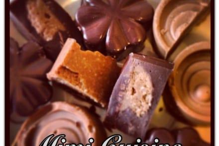 Chocolat noir cœur praliné et tout praliné, Recette Chocolat noir cœur praliné et tout praliné, Recette Chocolat noir praliné, Chocolat noir praliné, Chocolat noir tout praliné, Marine Rolland, Mimi Cuisine, Miam Agency, Blogueuse culinaire, Blogueuse cuisine, Blogueuse Cookeo, Blogueuse Companion, Blogueuse Multidélices, Blogueuse Thermomix, Blog cuisine, Blog culinaire, Blog cuisine facile, Blog recettes, Blog cuisine traditionnelle, Blog cuisine connectée, Recettes sucrées, Recettes salées, Recette sucrée, Recette salée, Recette facile, Recettes faciles, Recette sans appareil, Recettes sans appareil, Recettes avec multicuiseur, Recette avec multicuiseur, Recettes avec robot cuiseur, Recette avec robot cuiseur, Livre Cookeo, Livre Recettes Cookeo, Cookeo blog, Blog Cookeo, Recettes Cookeo, Recette Cookeo, Recettes maison Cookeo, Recette maison Cookeo, Recette Cookeo sucrée, Recette Cookeo salée, Recettes Cookeo sucrées, Recettes Cookeo salées, Recette salée Cookeo, Recette sucrée Cookeo, Recettes salées Cookeo, Recettes sucrées Cookeo, Meilleure Recette Cookeo, Recette facile Cookeo, Recettes faciles Cookeo, Recette plat Cookeo, Recettes plats Cookeo, Recette Cookeo plat, Recette entrée Cookeo, Recettes entrées Cookeo, Recette Cookeo entrée, Recette dessert Cookeo, Recettes desserts Cookeo, Recette Cookeo dessert, Moulinex blog, Blog Moulinex, Recettes Moulinex, Recette Moulinex, Recettes maison Moulinex, Recette maison Moulinex, Companion blog, Blog Companion, Recettes Companion, Recette Companion, Recettes maison Companion, Recette maison Companion, Recette Companion sucrée, Recettes Companion sucrées, Recette Companion salée, Recettes Companion salées, Recette salée Companion, Recettes salées Companion, Meilleure Recette Companion, Recette facile Companion, Recettes faciles Companion, Recette plat Companion, Recettes plats Companion, Recette Companion plat, Recette entrée Companion, Recettes entrées Companion, Recette Companion entrée, Recette dessert Companion