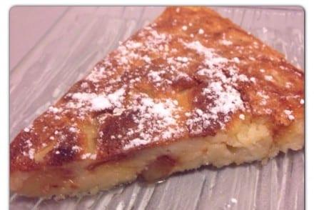 Gâteau de crêpe aux pommes caramélisées
