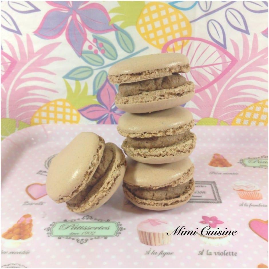 Macarons fourrés au chocolat au lait