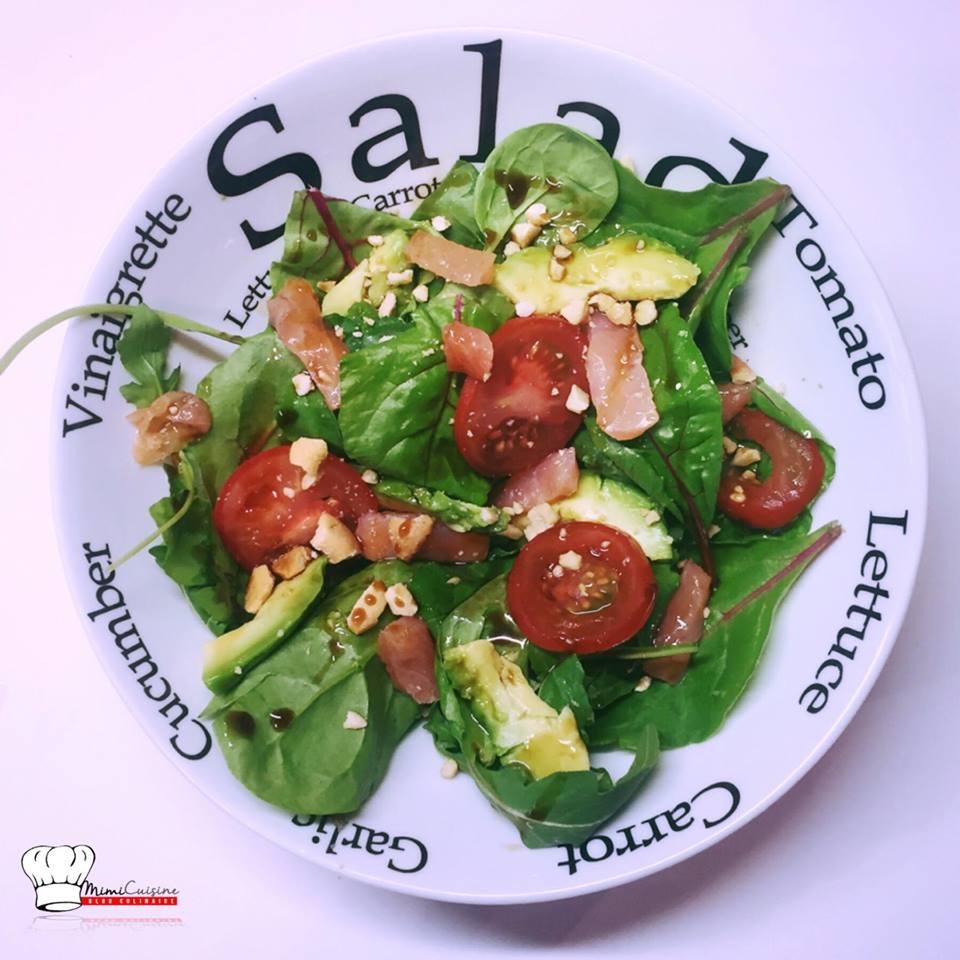 salade saumon avocat tomate et noix de cajou mimi cuisine. Black Bedroom Furniture Sets. Home Design Ideas