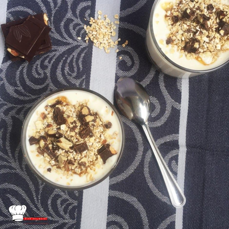 Porridge flocons d'avoine miel et chocolat noisettes