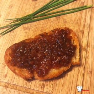 Tartine Fourme d'Ambert et Confit Oignon Pomme