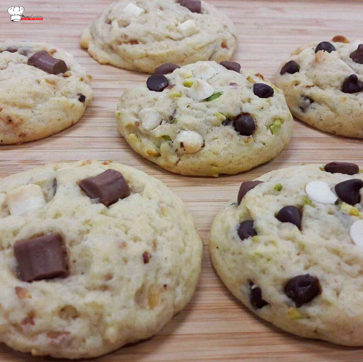 Cookies Pralin chocolat Lait Blanc et Cookies Pistache Chocolats, Recette Cookies, Recette Cookies pralin chocolat lait blanc, Recette Cookies pistache chocolats, Cookies recette, Marine Rolland, Mimi Cuisine, Miam Agency, Blogueuse culinaire, Blogueuse cuisine, Blogueuse Cookeo, Blogueuse Companion, Blogueuse Multidélices, Blogueuse Thermomix, Blog cuisine, Blog culinaire, Blog cuisine facile, Blog recettes, Blog cuisine traditionnelle, Blog cuisine connectée, Recettes sucrées, Recettes salées, Recette sucrée, Recette salée, Recette facile, Recettes faciles, Recette sans appareil, Recettes sans appareil, Recettes avec multicuiseur, Recette avec multicuiseur, Recettes avec robot cuiseur, Recette avec robot cuiseur, Livre Cookeo, Livre Recettes Cookeo, Cookeo blog, Blog Cookeo, Recettes Cookeo, Recette Cookeo, Recettes maison Cookeo, Recette maison Cookeo, Recette Cookeo sucrée, Recette Cookeo salée, Recettes Cookeo sucrées, Recettes Cookeo salées, Recette salée Cookeo, Recette sucrée Cookeo, Recettes salées Cookeo, Recettes sucrées Cookeo, Meilleure Recette Cookeo, Recette facile Cookeo, Recettes faciles Cookeo, Recette plat Cookeo, Recettes plats Cookeo, Recette Cookeo plat, Recette entrée Cookeo, Recettes entrées Cookeo, Recette Cookeo entrée, Recette dessert Cookeo, Recettes desserts Cookeo, Recette Cookeo dessert, Moulinex blog, Blog Moulinex, Recettes Moulinex, Recette Moulinex, Recettes maison Moulinex, Recette maison Moulinex, Companion blog, Blog Companion, Recettes Companion, Recette Companion, Recettes maison Companion, Recette maison Companion, Recette Companion sucrée, Recettes Companion sucrées, Recette Companion salée, Recettes Companion salées, Recette salée Companion, Recettes salées Companion, Meilleure Recette Companion, Recette facile Companion, Recettes faciles Companion, Recette plat Companion, Recettes plats Companion, Recette Companion plat, Recette entrée Companion, Recettes entrées Companion, Recette Companion entrée, Recette dessert Compani