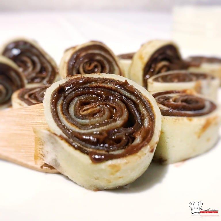Crêpes vanille chocolat roulées au Nutella Recette ...