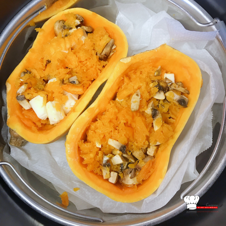 Butternut farcie champignons et Tome fraîche au Cookeo