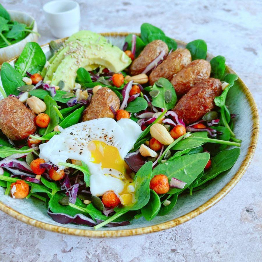 Salade bowl veggie aux pommes de terre rôties